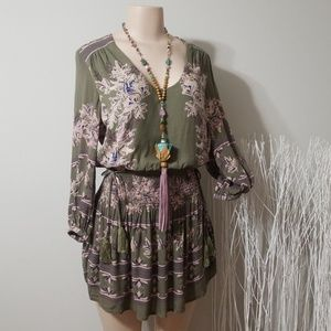 FREE PEOPLE PRINT DESIGN/RIBBED TASSEL TIE DRESS!